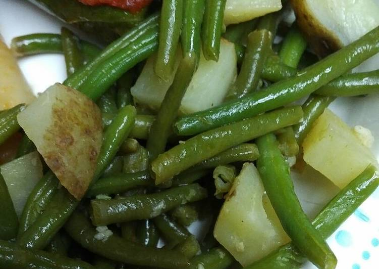 Labor Day Green Beans and Potatoes vegetarian