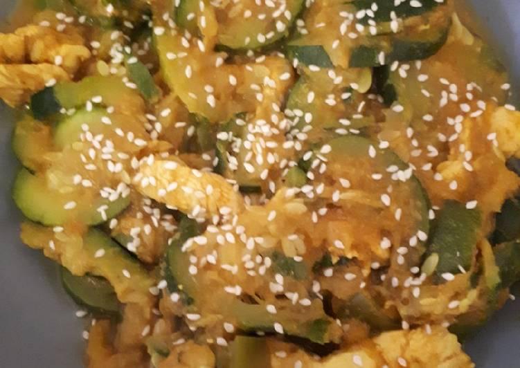 Curry de courgettes et blanc de poulet