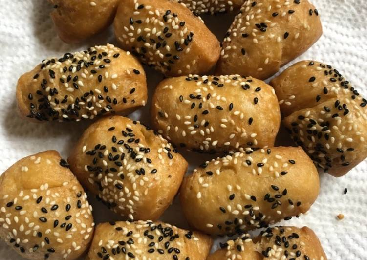 Roti goreng/kue bantal/kue bolang baling/kue odading
