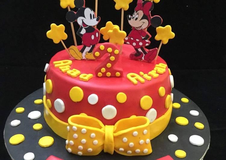 Mickey Minnie Mouse Cake Recipe By Sara Zaffar Cookpad