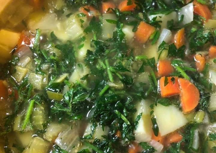 Carrot top soup - vegan