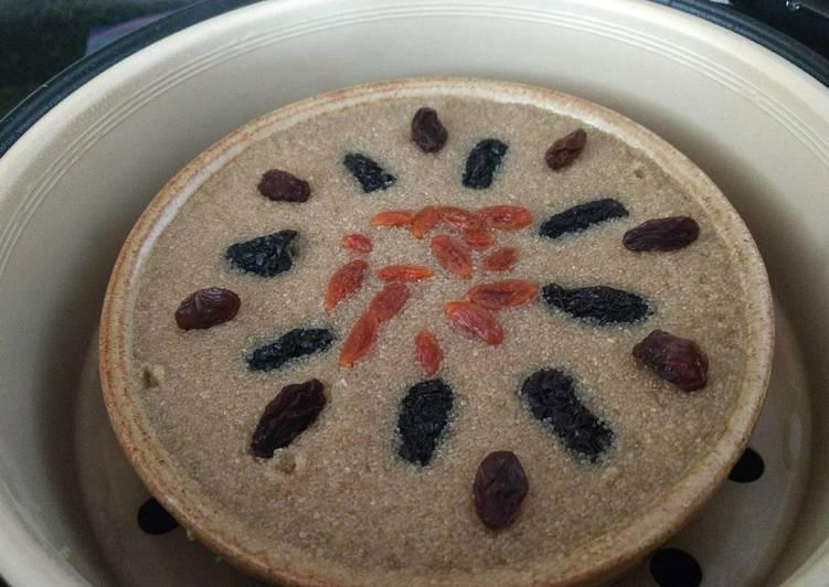 Steamed amaranth black jujubes cake蒸苋菜子