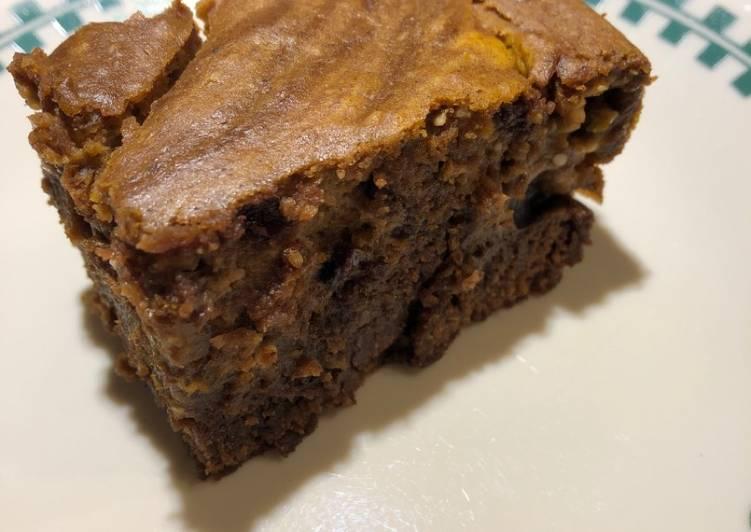 Pumpkin Swirl 🎃 Cake Brownies