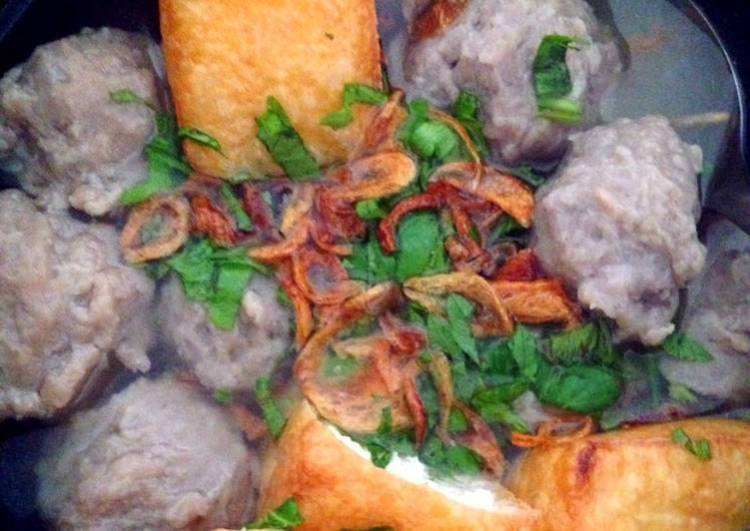 Indonesian Meat Ball Soup (Bakso)