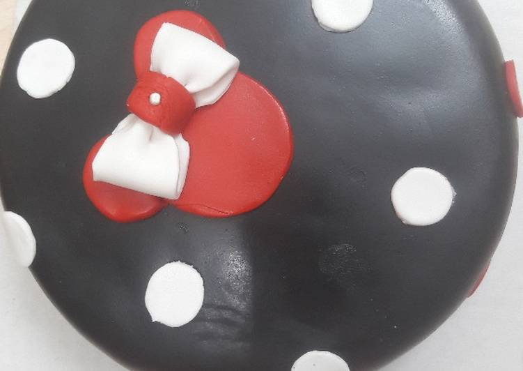 Chocolate black fondant cake