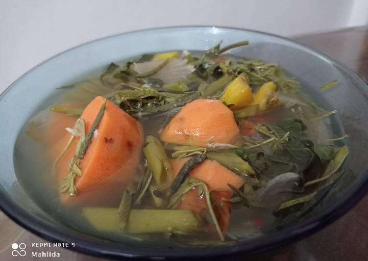 Sayur asam kutai dengan ubi rambat (ubi jalar)