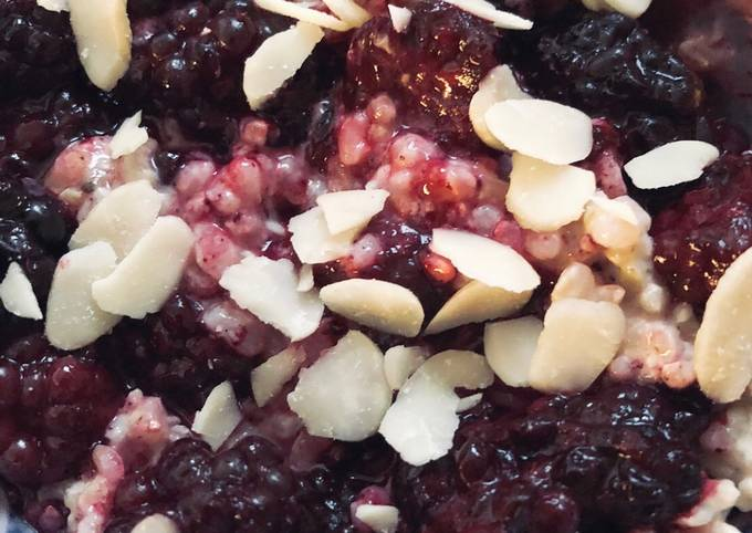 Blackberry and cardamom rice pudding - vegan