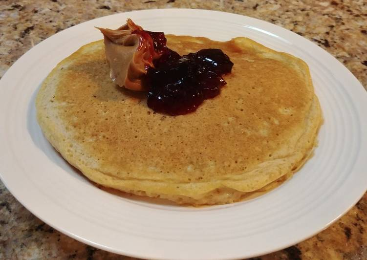 Oatmeal Skillet Cakes with Peanut Butter and Jelly