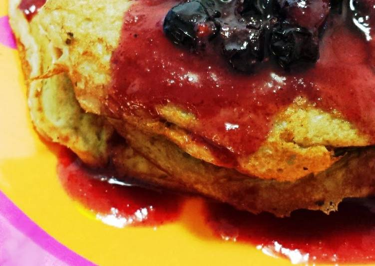 Banana (Flourless) Pancakes (Paleo/Clean Recipe)