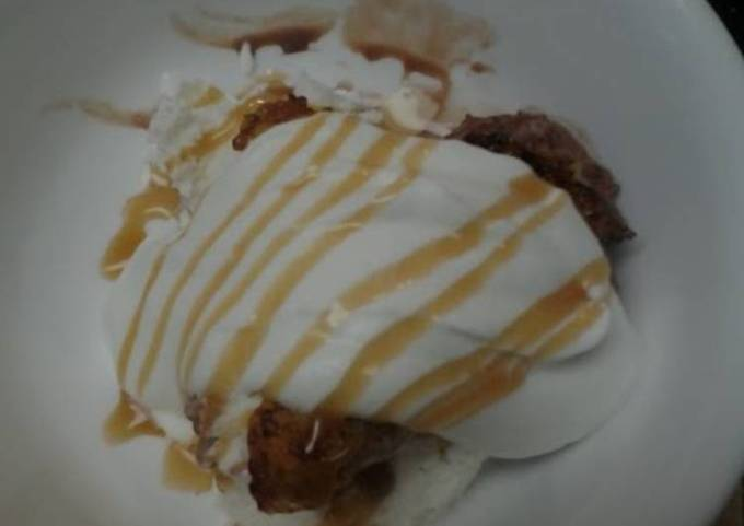 Caramelized  Bananas with Ice Cream and Homemade Whipped topping