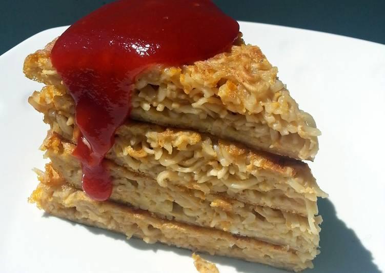 Noodle Omelette 'CAKE'
