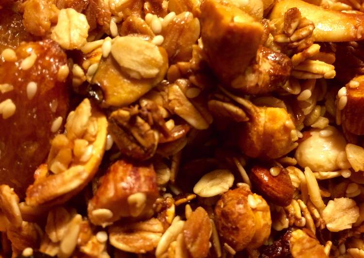 Simple Addictive Granola
