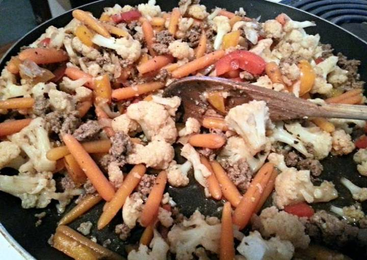 low calorie soy sauce cauliflower and ground beef stir fry