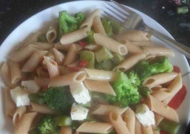 Haloumi and greens pasta