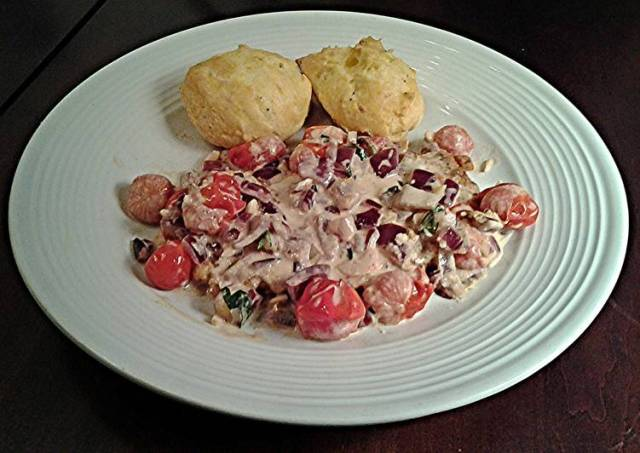 Pan Seared Chicken with Lemon and Tomatos