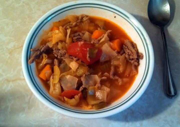 Low fat-low calorie cabbage soup