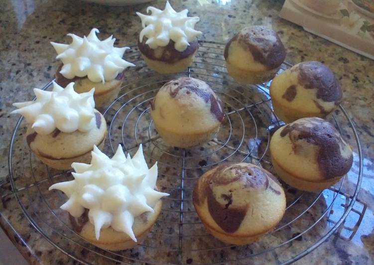 Vanilla chocolate swirl cupcakes