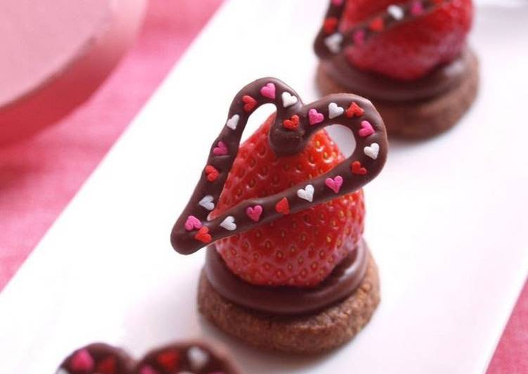 Chocolate and Extravagant Strawberries for Valentine's Day