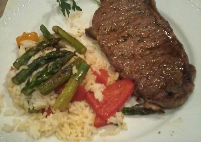 Garlic chili steak and warm rice salad