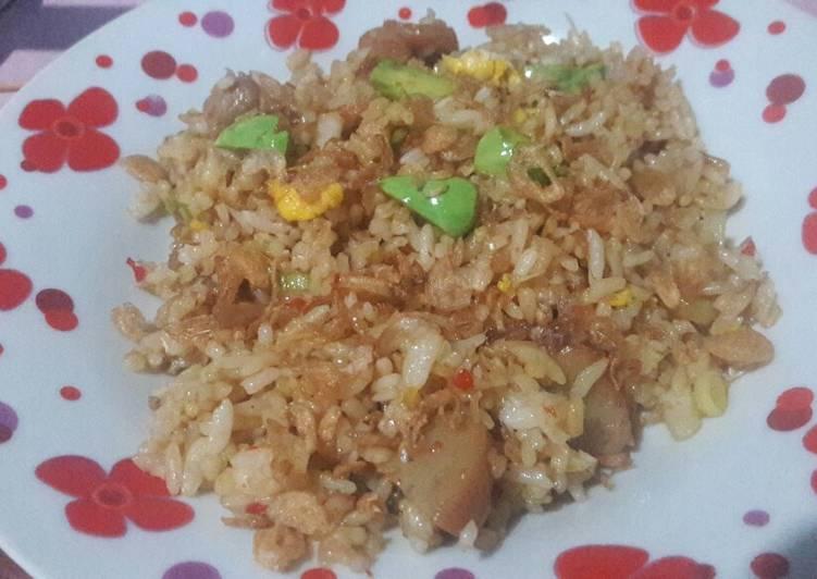 Nasi goreng hongkong mix petai dan bakso