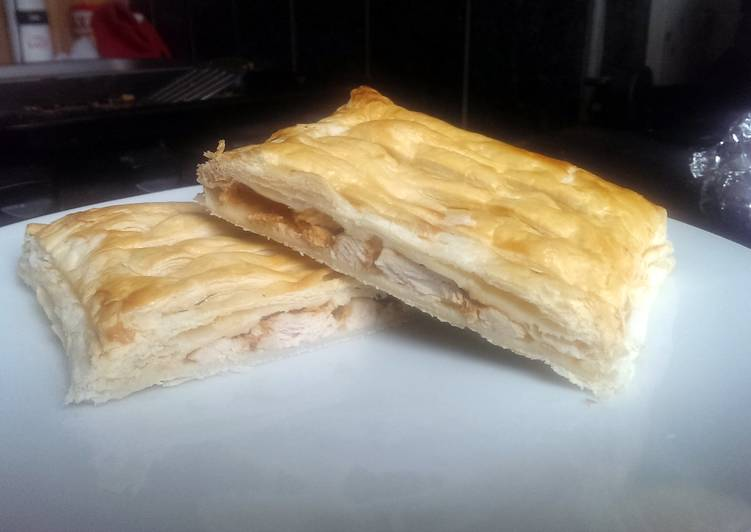 Sophie's simple red Thai chicken pastry slice
