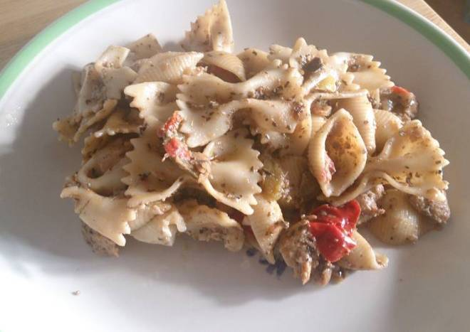 Aubergine and mixed pepper pasta