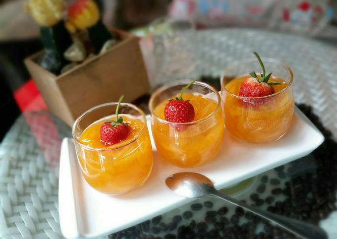 Chilled Tropical Fruits / Loy Kaew