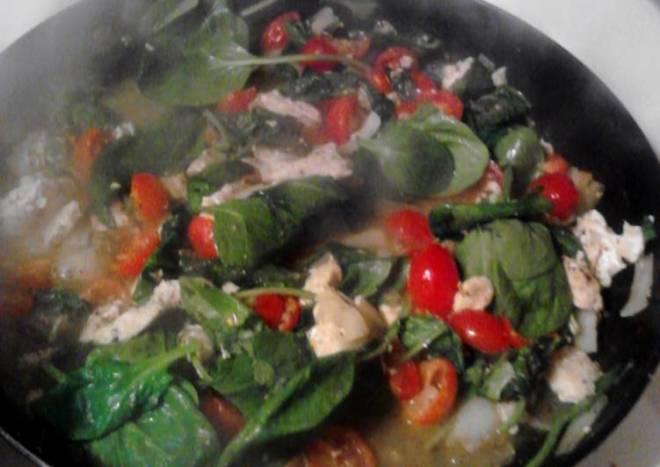 Spinach and Tomato Chicken Alfredo