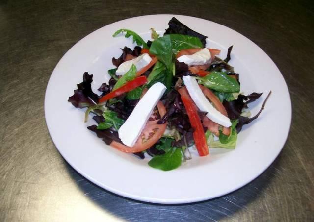 Mozzarella Salad w/ Balsamic Vinegarette