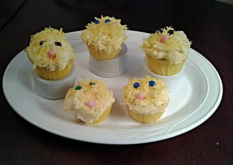 White Chocolate Cupcakes with White Chocolate Whipped Cream Frosting