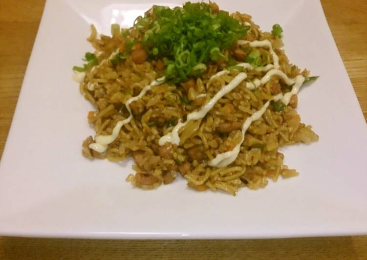 Sobameshi - Yakisoba Noodles with Rice with Leftover Vegetables