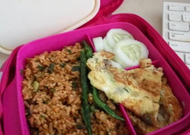 Nasi goreng special (bekal sekolah ank)