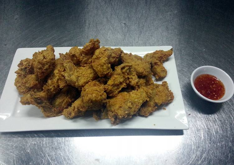 spicy asian fried chicken ala kfc with thai chilli sauce