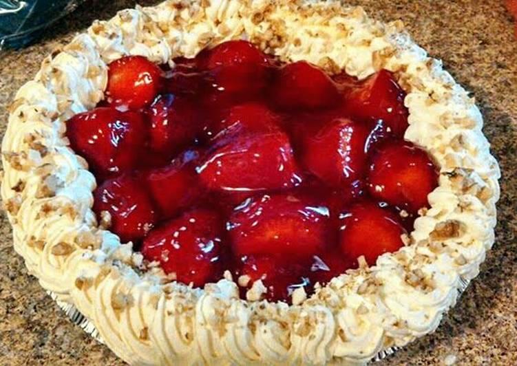 The No bake Strawberry Cream Pie