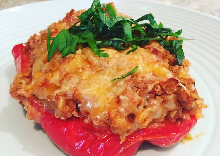Italian stuffed peppers with turkey and quinoa
