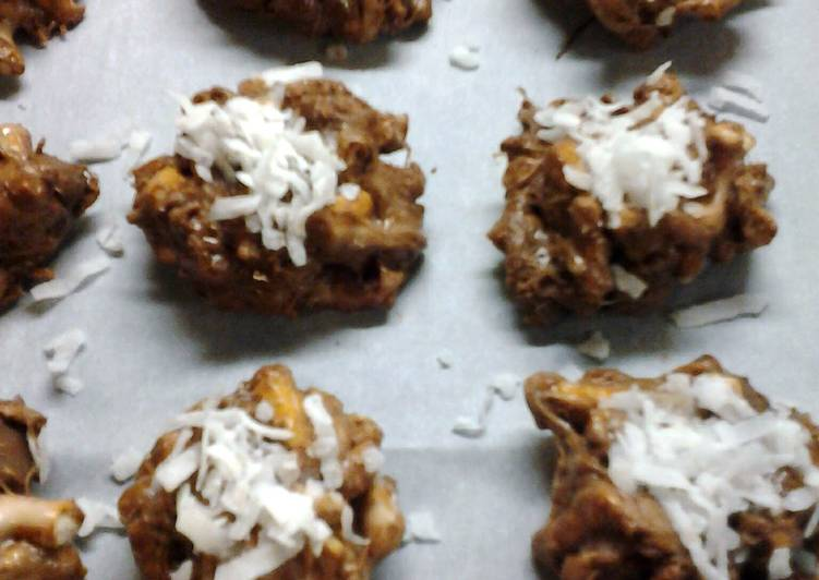 Sweet and Salty Chocolate Pretzel Bites with Coconut