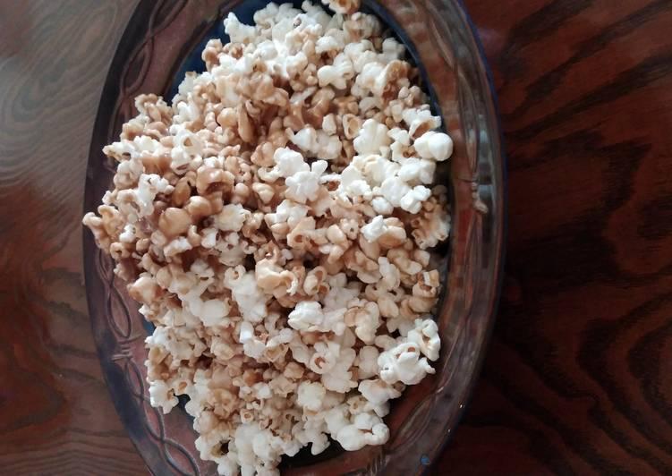 Caramel popcorn in a paper bag