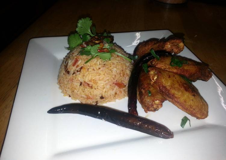 spicy tomato rice & crispy chicken wings