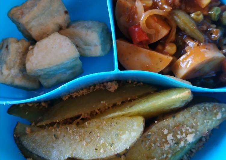 Potato wedges with bbq mix vegetable