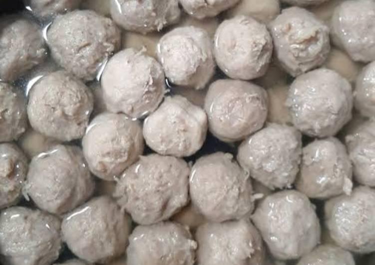 Bakso daging sapi dan bakso tanpa daging (bakso nangka)