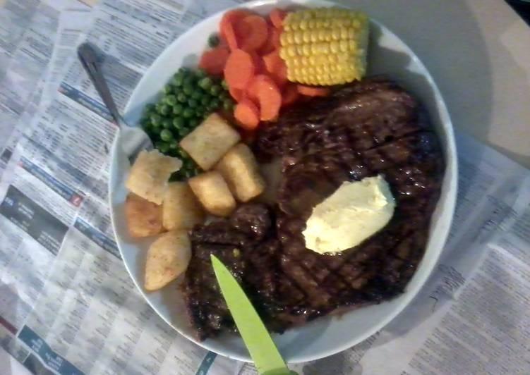 Garlic Butter Steak, Crunchy Potatoes & Vegetables!