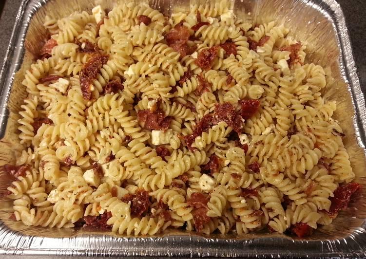 """Pasta salad """"Italian meets Greek"""""""