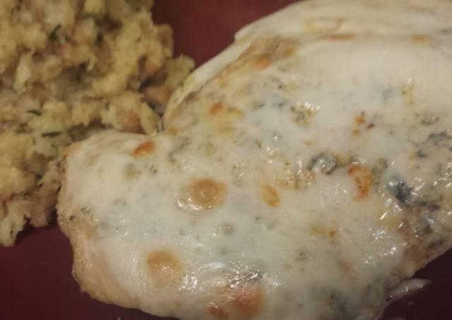 Easy Spinach and Artichoke Chicken