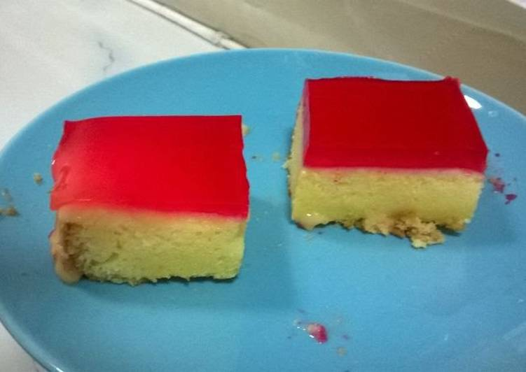 Custard  cake with jello topping