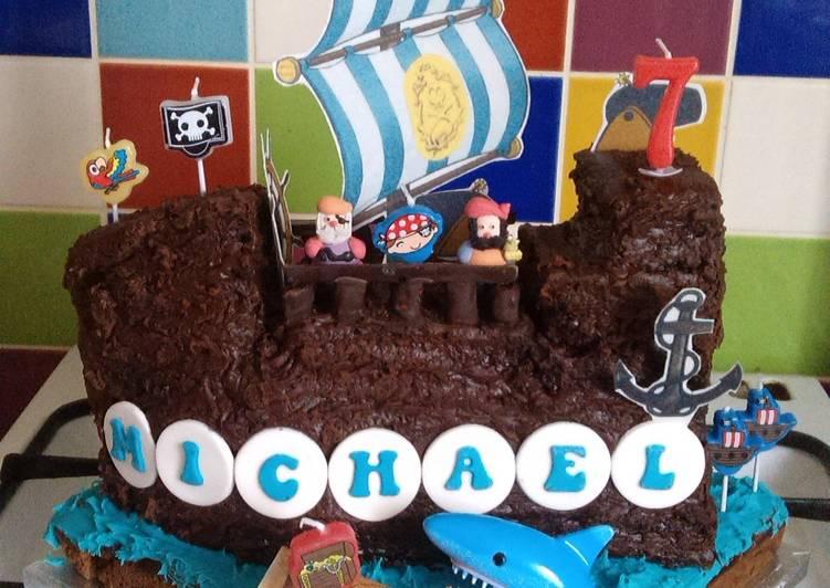 Vickys Pirate Galleon Cake!