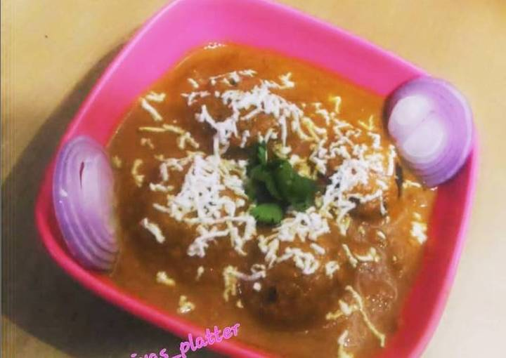 Veg balls in Red Curry
