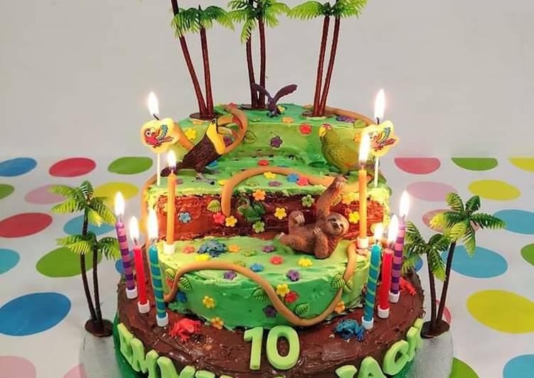 Vickys Jungle Cake Decoration Idea