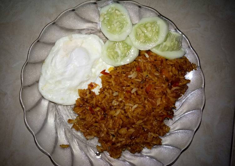 Nasi goreng brambang pedes (simple)