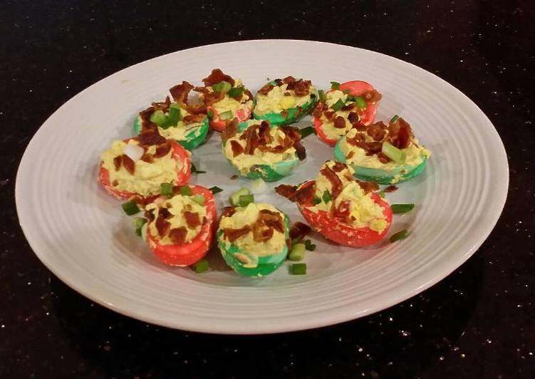 Bacon and Jalapeno Deviled Eggs colored for Christmas