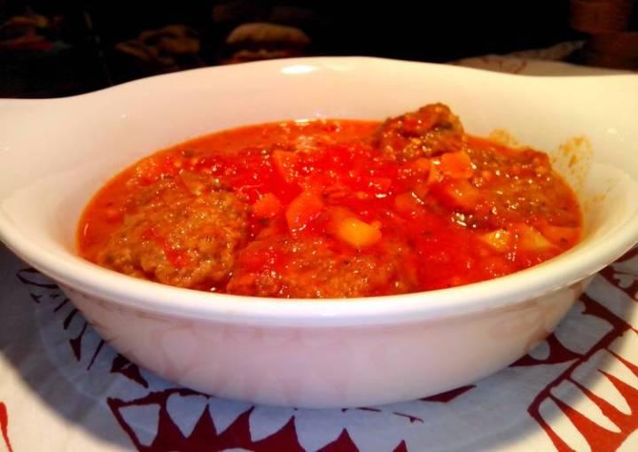 Meatballs with Italian Style Tomato Sauce